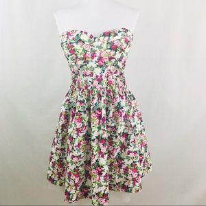SANS SOUCI Large Floral Strapless Tea Dress